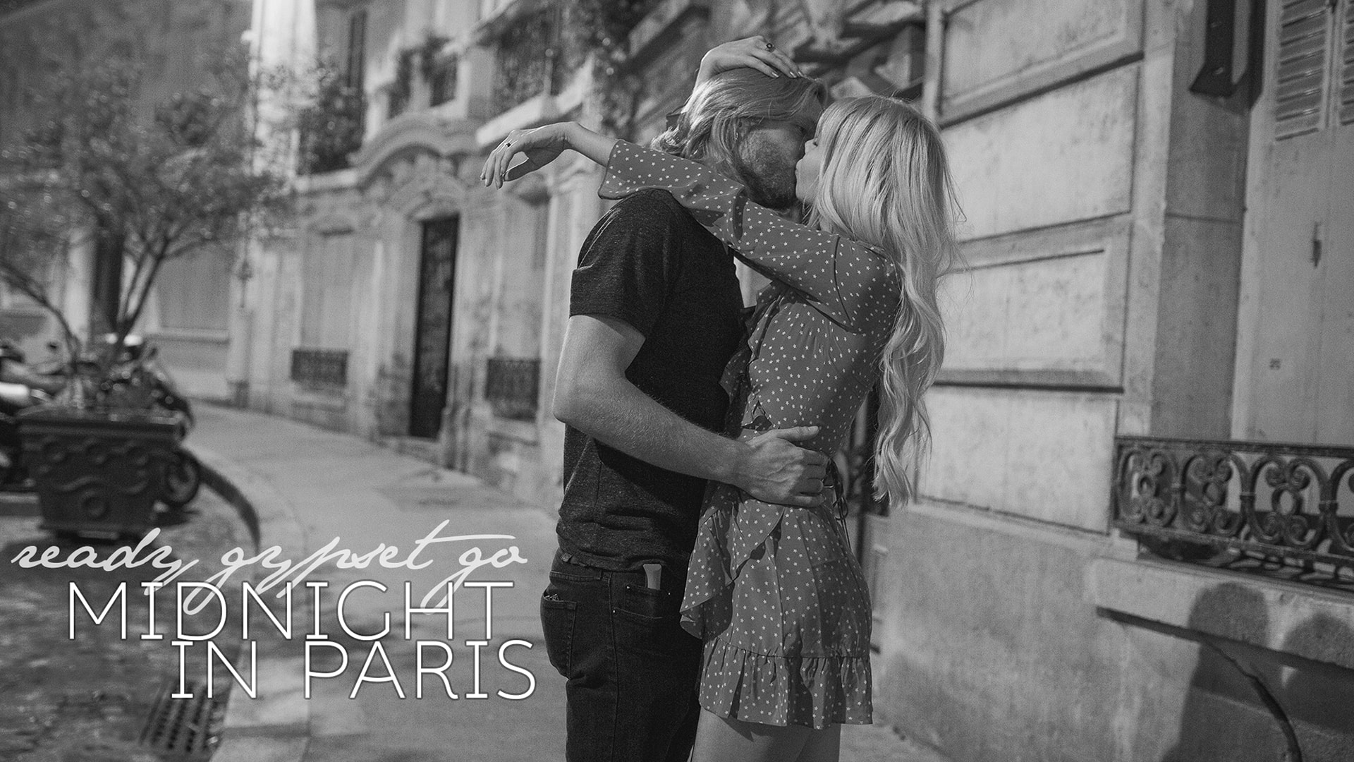 2 lovers, midnight in Paris video