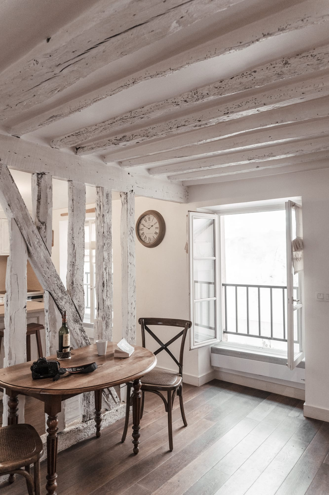 cobblestone Paris apartment for rent