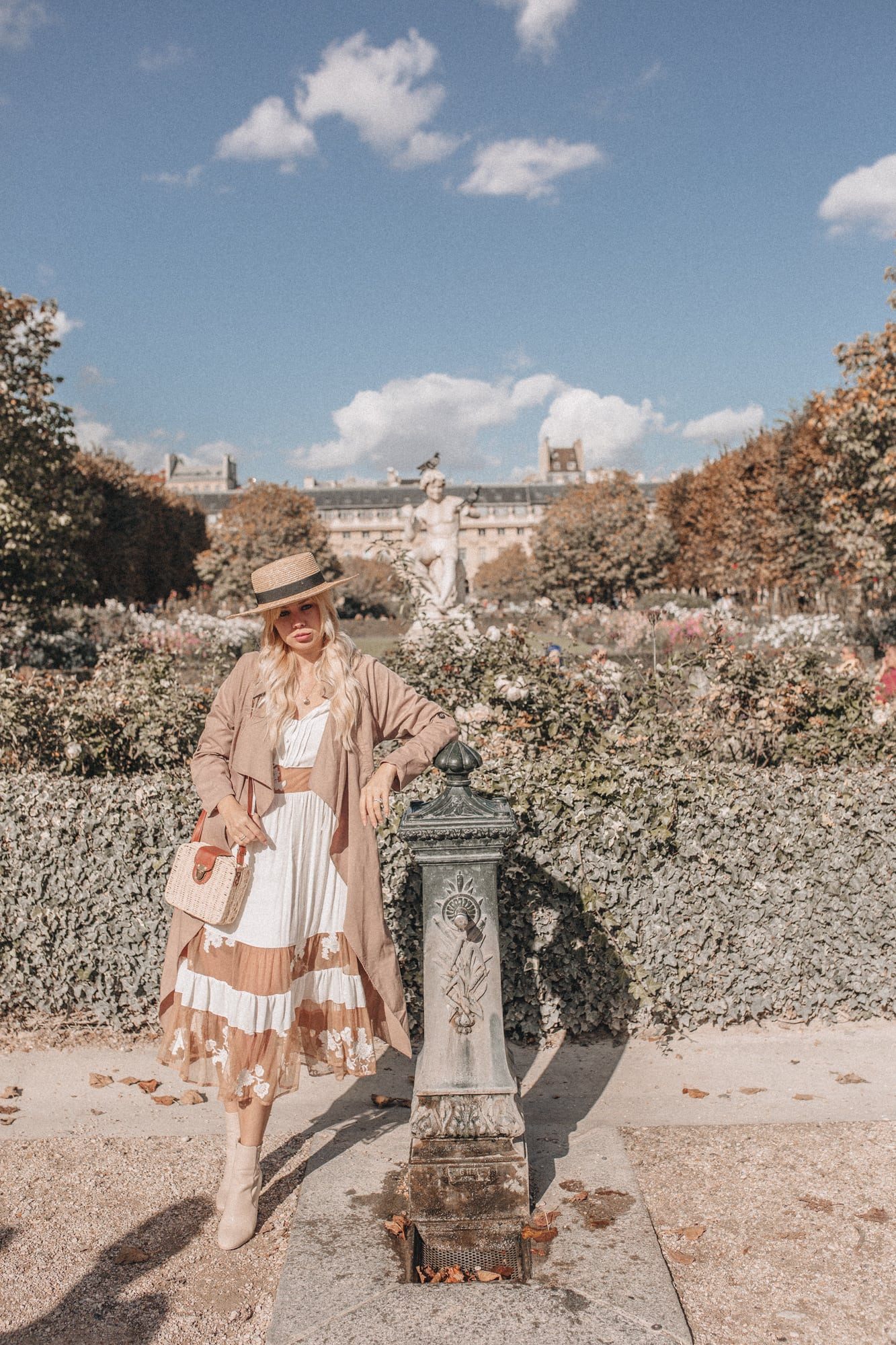 Sarah Loven French street style in Paris