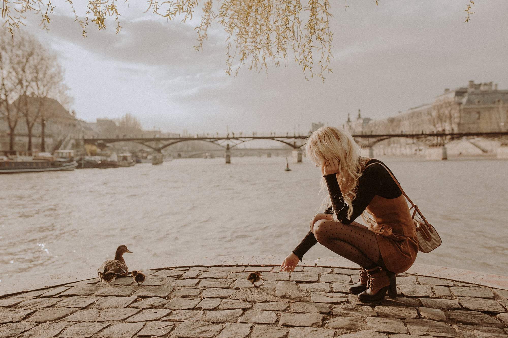 Sarah Loven with baby ducks in Paris