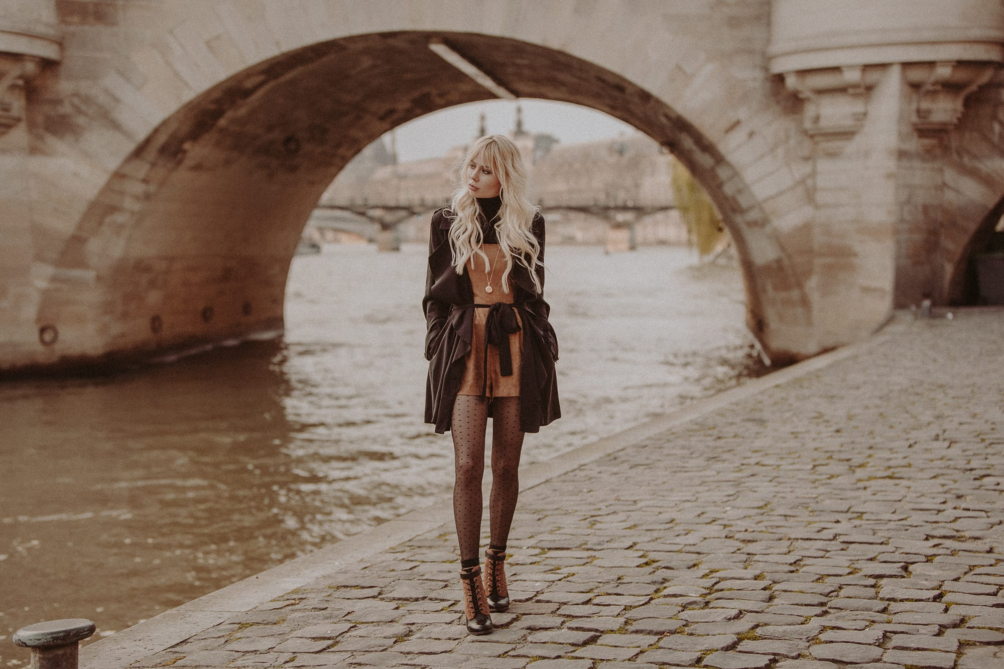Sarah Loven Pont Neuf bridge, Paris