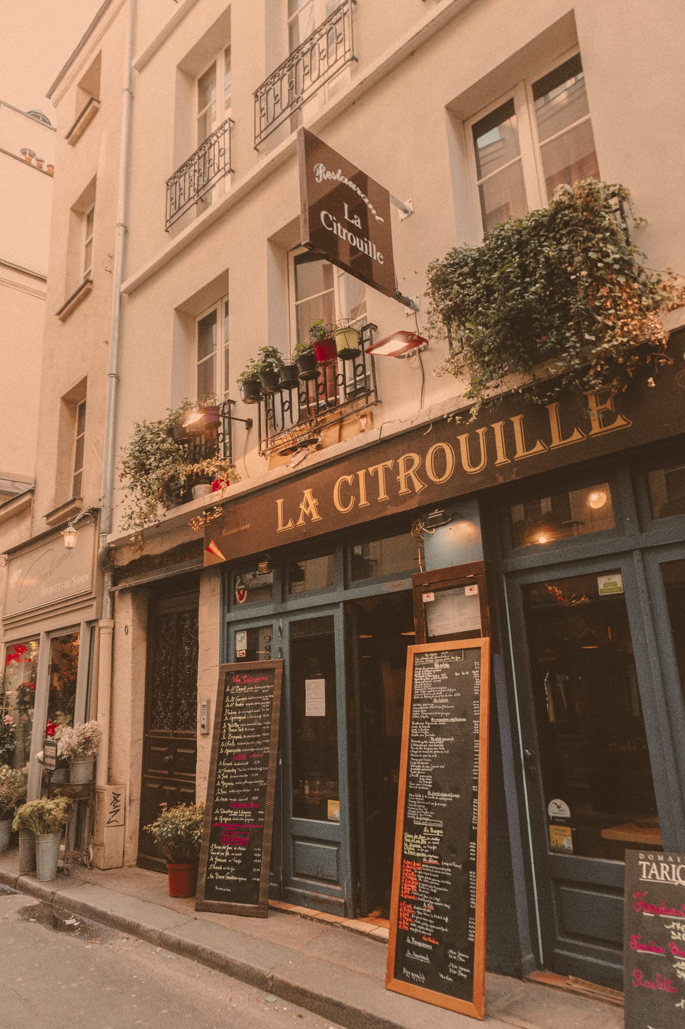la citrouille cafe in Paris