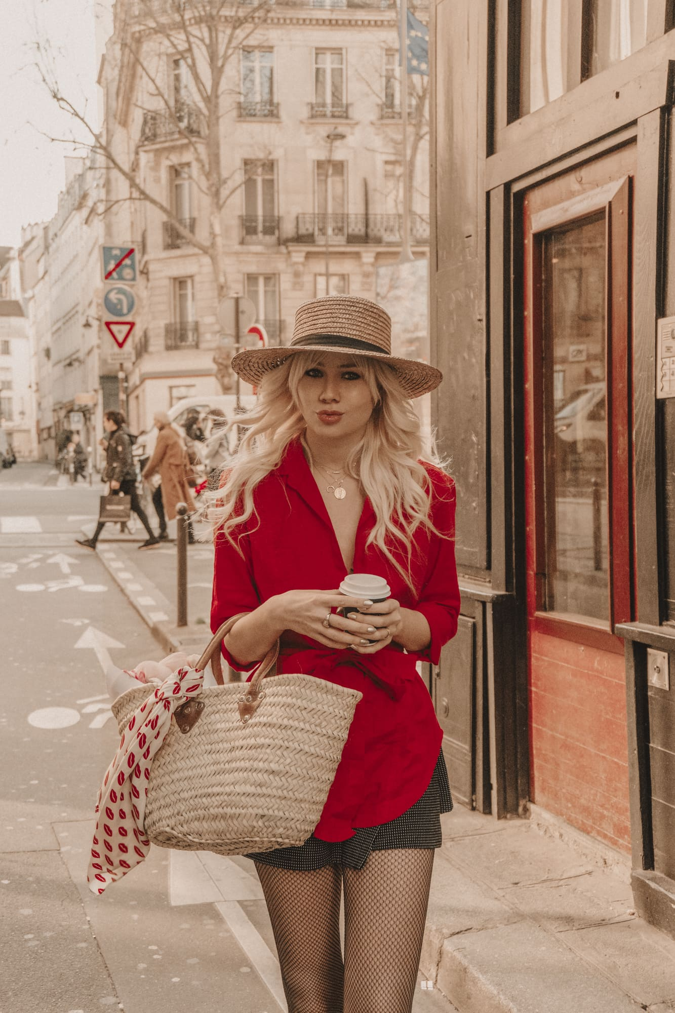 Sarah Loven tours Boulevard Saint Germain