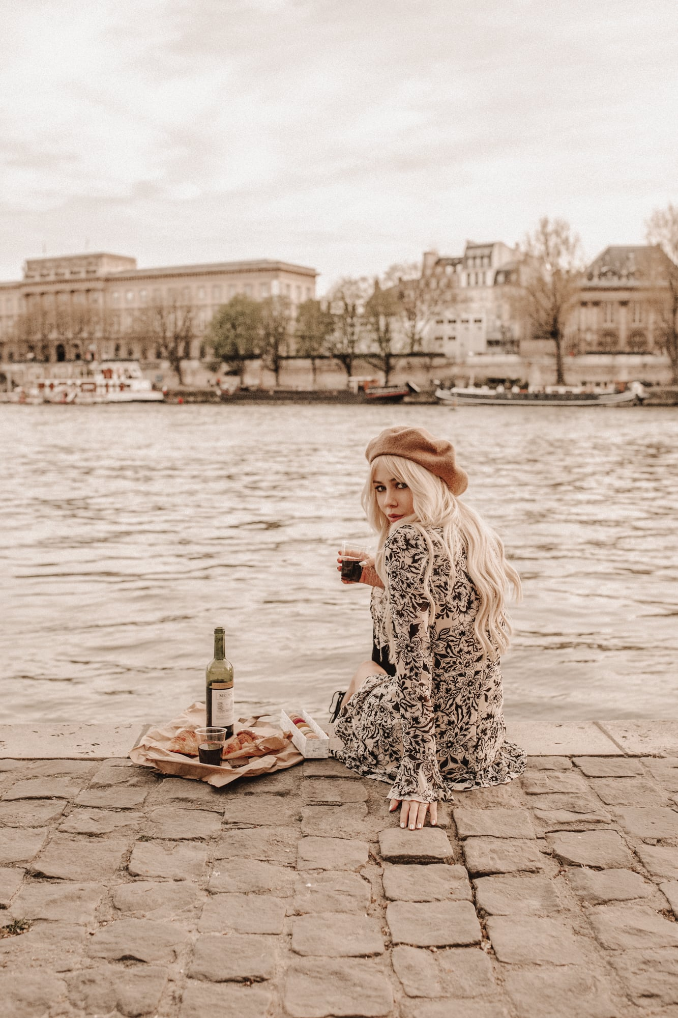 Sarah Loven picnics at the Seine River