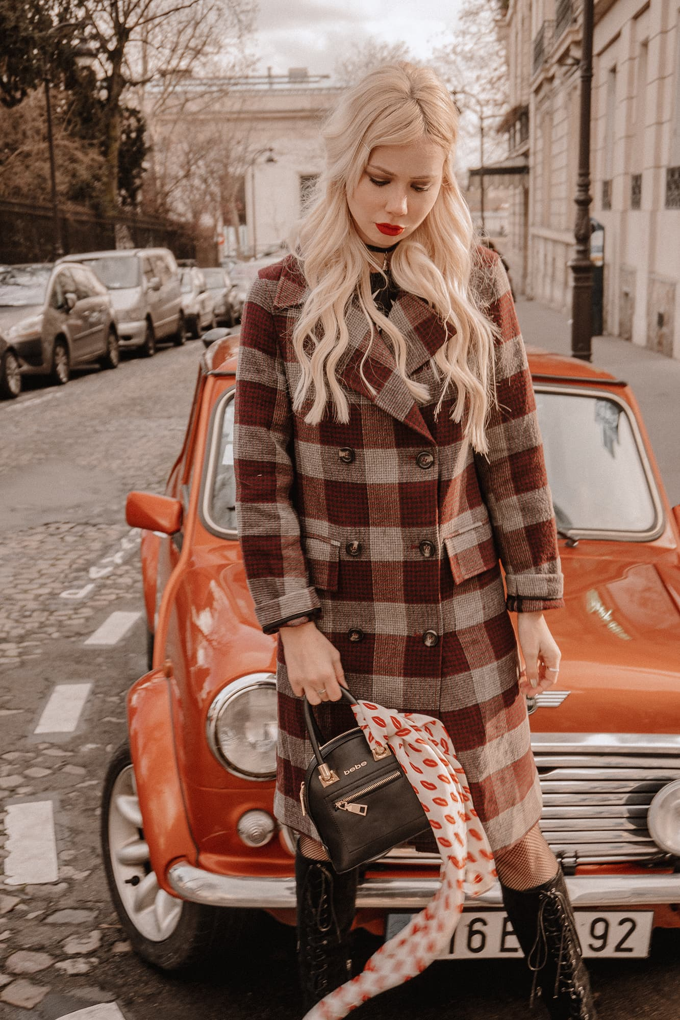 SarahLoven Paris Vintage Car3