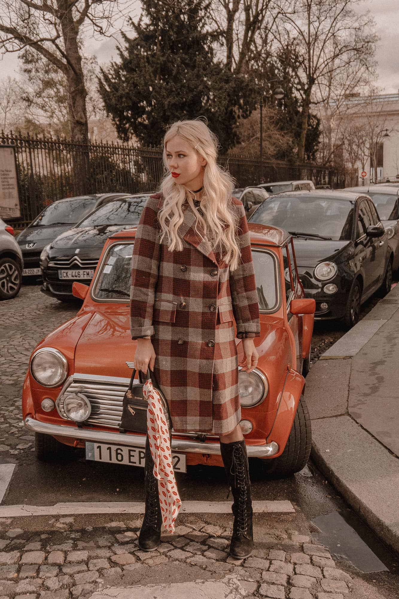 SarahLoven Paris Vintage Car6