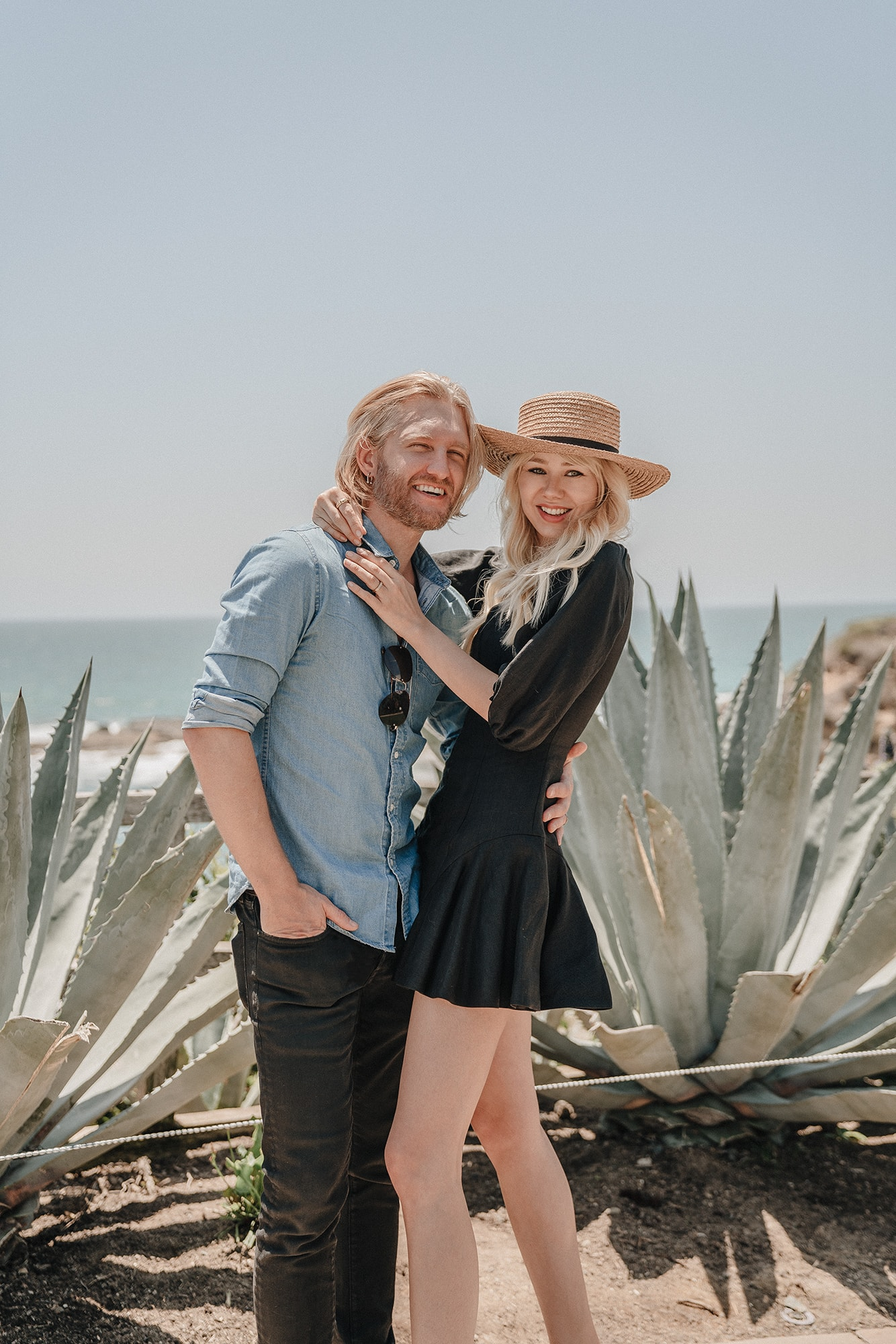 Trendy Happy Couple Laguna Beach Photoshoot
