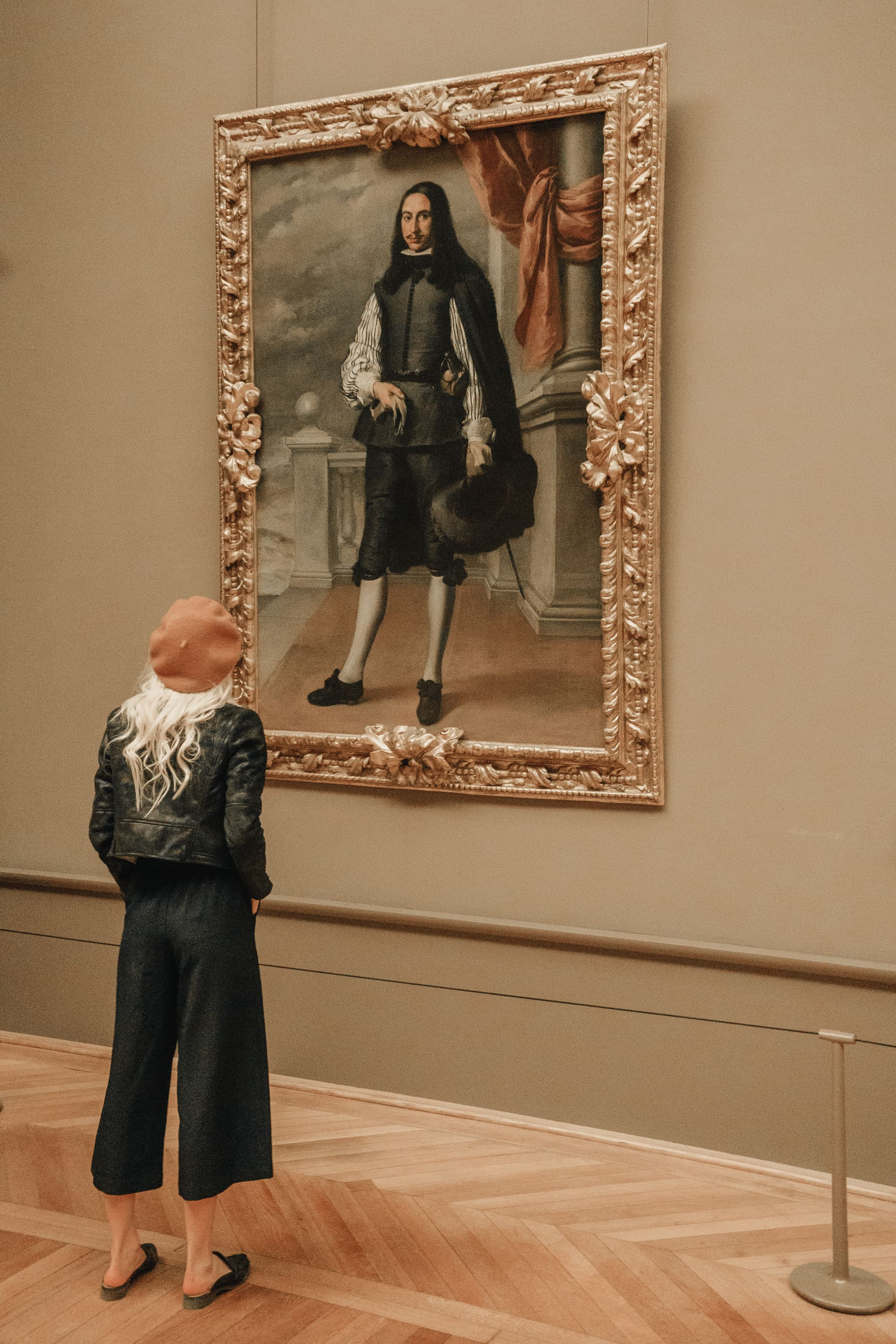 Sarah Loven looks at painting at the Louvre