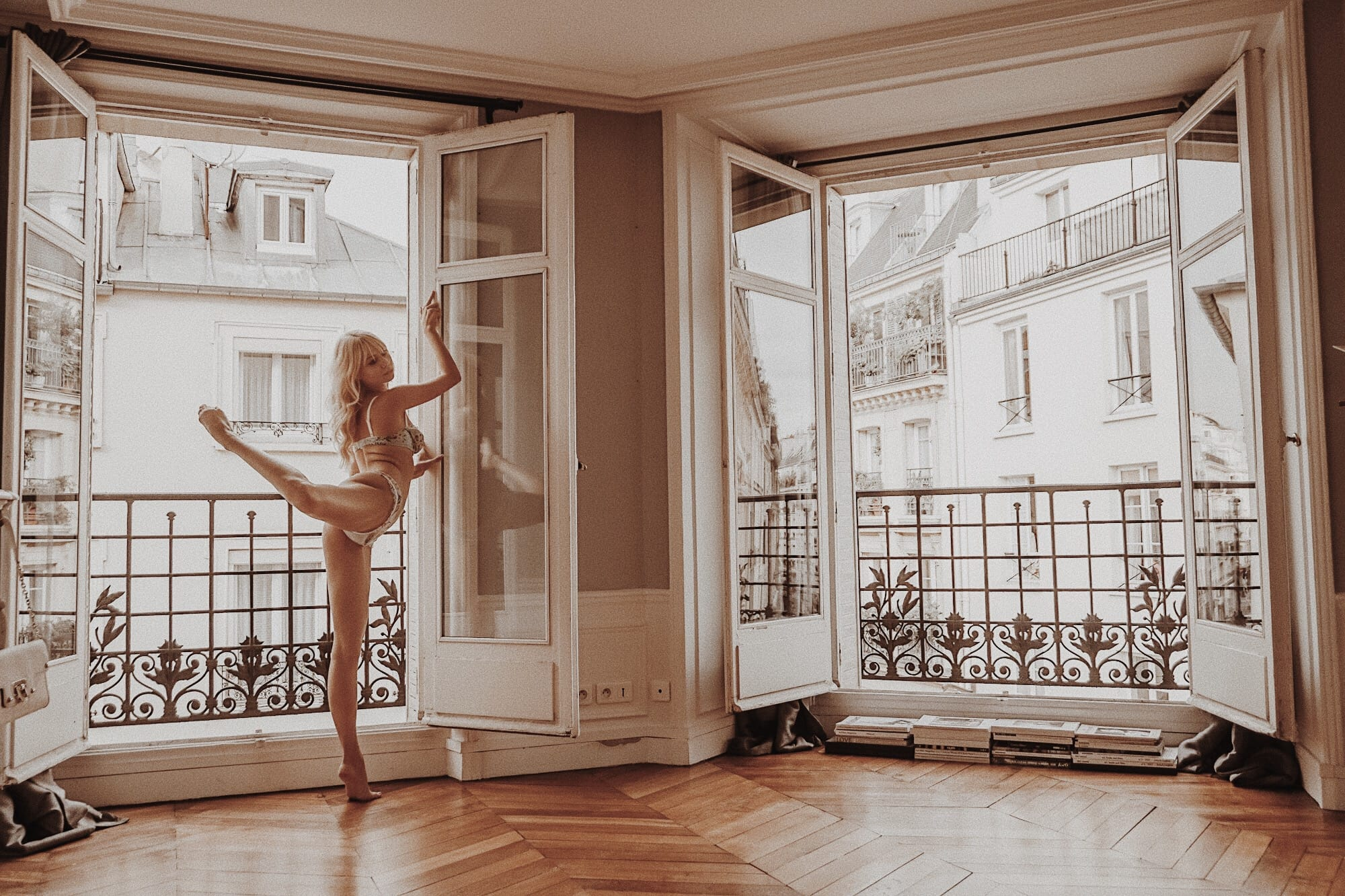 Sarah Loven dances ballet in Parisian flat